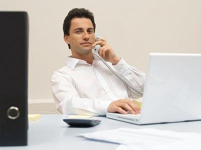 仕事で電話する