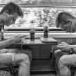 電車内スマホでゲーム