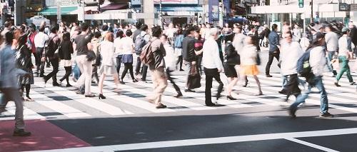 スクランブル交差点の人混み