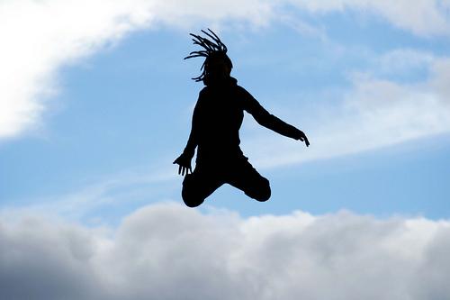 ジャンプ飛び出す