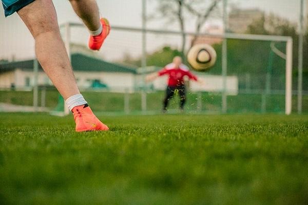 サッカーシュート練習